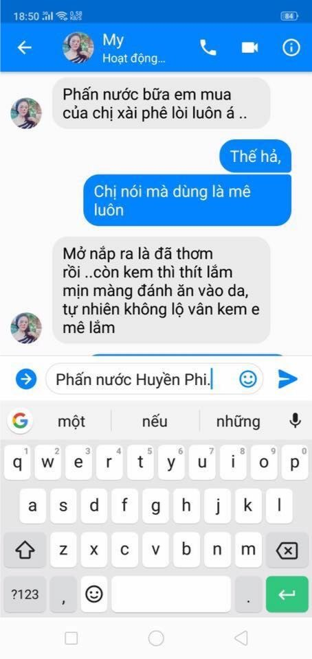 phan-hoi-cua-chi-my-khi-dung-phan-nuoc-huyen-phi