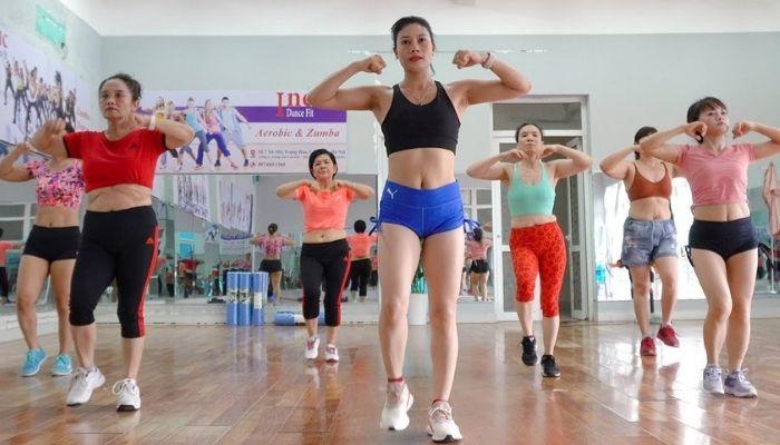aerobic-dang-duoc-nhieu-nguoi-ua-chuong